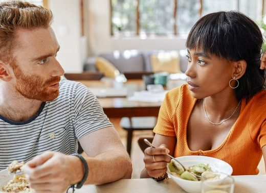 10 Signs That A Couple Has Communication Issues, From A Psychologist