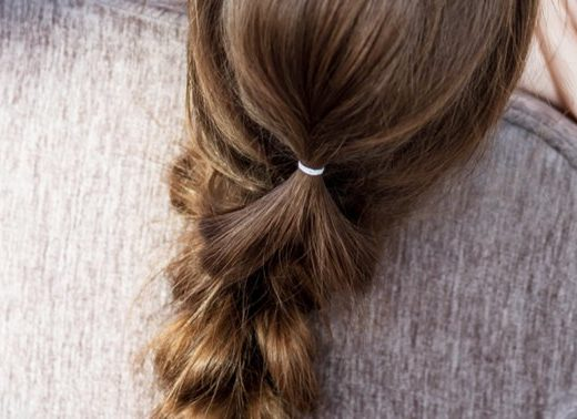 How To Use Essential Oils To Remove Rubber Bands From Hair