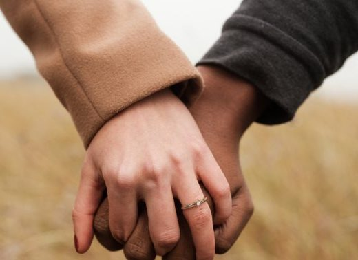 What Causes People To Have Commitment Issues? A Couples' Therapist Explains