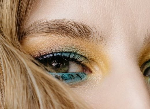 A Makeup Artist's Trick To Enhance Your Shimmery Eyeshadow