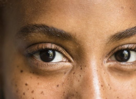 I'm A Neuro-Ophthalmologist: Here Are 5 Ways To Support Your Eye & Brain Health