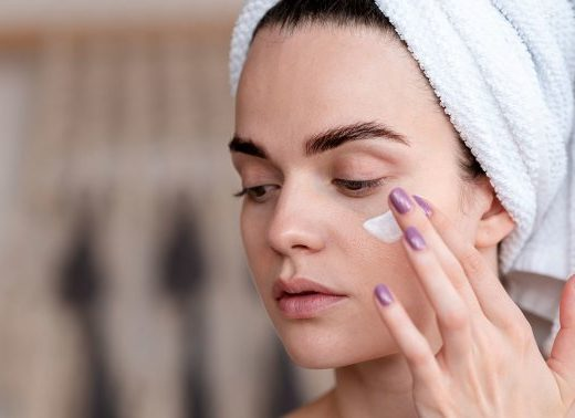 Adapalene vs Tretinoin: We Break Down The Acne & Aging Powerhouse Ingredients