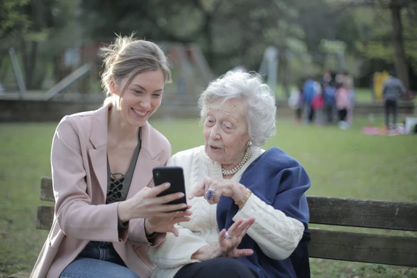 How To Care For A Parent With Dementia - Art of Healthy Living