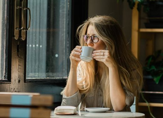 What Time Of Day Should You Actually Stop Drinking Caffeine? Here's The Research