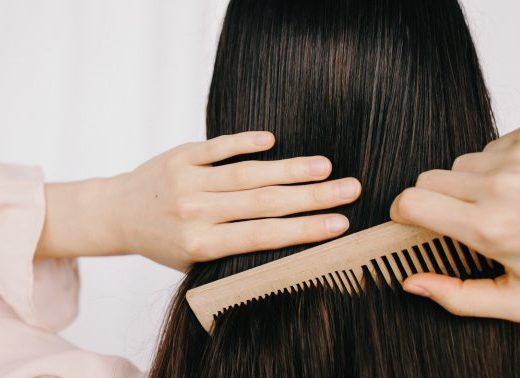 A Hairstylist's Trick To Train Your Hair To Be Less Greasy