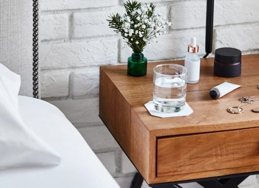 6 Things This Chiropractor Keeps On Her Bedside Table For A+ Sleep