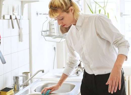 4 Things Toxicity Experts Want You To Stop Doing In Your Kitchen