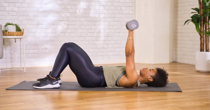 A Quick Upper Body Move That's Sure To Get Your Triceps Burning