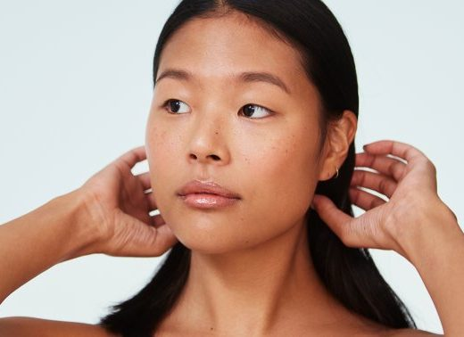 The Sneaky Reason Your Skin Dries Out As You Get Older