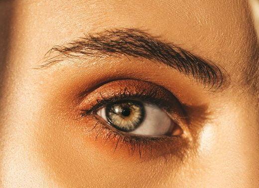 7 Stunning Makeup Artist Tips For Downturned Eyes
